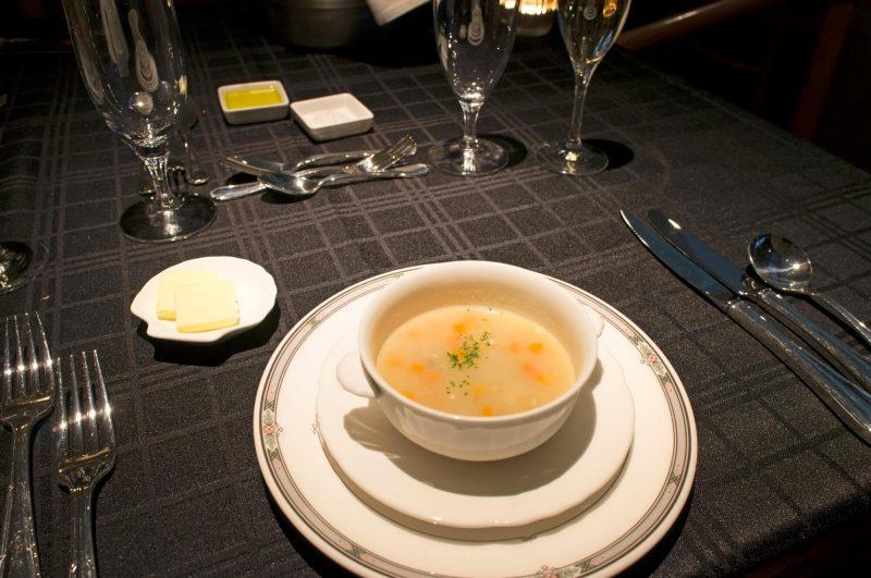スープのいただき方イメージ画像