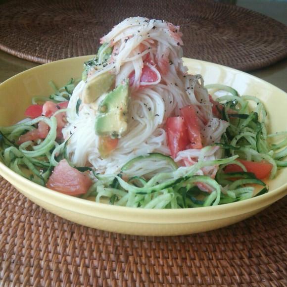 エスニック野菜とカニカマの素麺